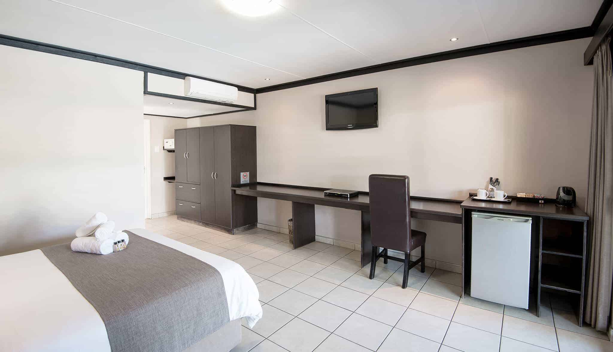 Luxury Room | Queen Bed | Bed & Breakfast Accommodation In Windhoek | Arebbusch Travel Lodge