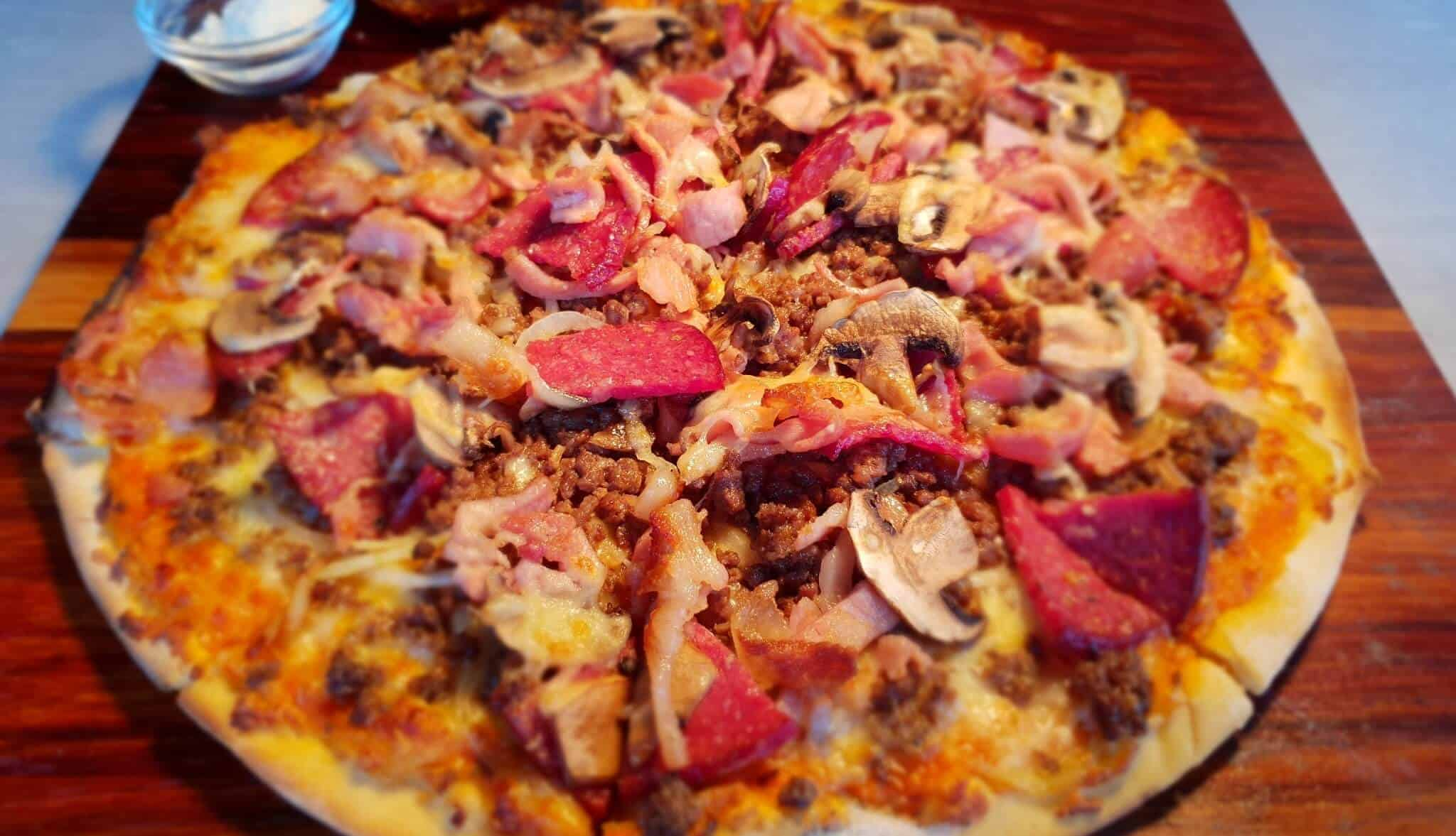 Arebbusch Travel Lodge Pizzeria & Grill   Pizzeria & Grill in Windhoek, Namibia   Arebbusch Meaty Pizza